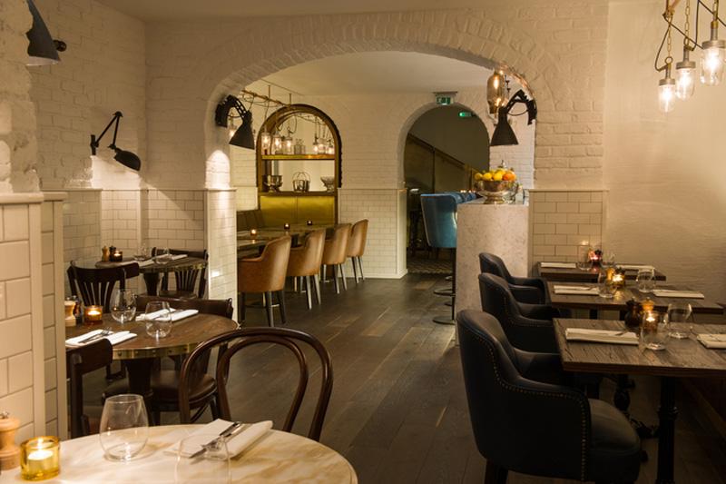 Los 27 mejores dise os de interiores de bares y for Diseno de restaurantes