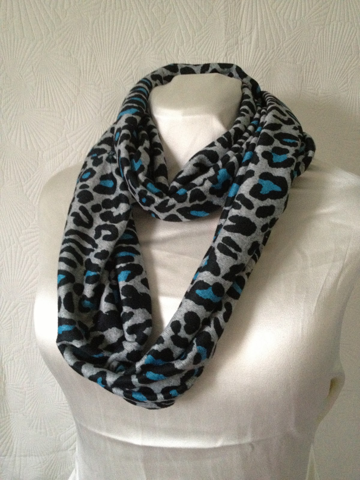 fabric mart fabricistas diy tutorial infinity scarves
