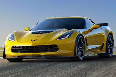 Chevrolet Corvette Z06 (2015) Front Side
