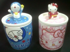 Gelas Unik Hello Kitty dan Doraemon