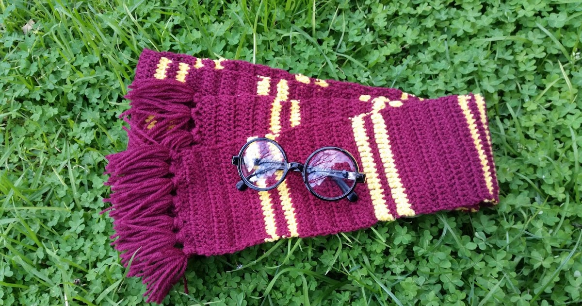 Red Haired Amazona A Crochet Harry Potter Gryffindor Scarf For Book