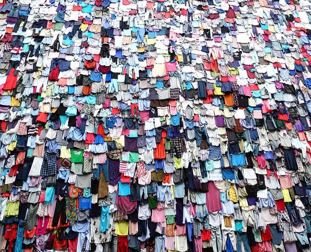 Shwopping: campanha para reciclagem de roupas