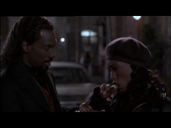 Un vampiro suelto en Brooklyn/ Vampire in Brooklyn - Wes Craven (1995) Vlcsnap-2012-09-08-01h17m20s132