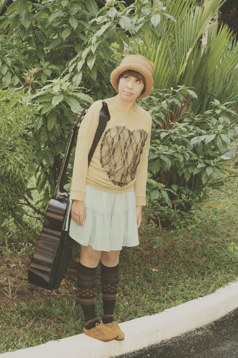 mori girl, nature fashion, forest fashion, mori girl fashion, mori kei, ootd, vintage sweater, crochet hat, knee high socks, oxford shoes, ootd