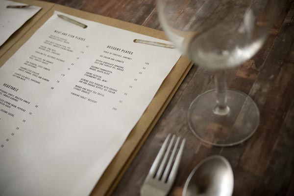 45 inspiring examples of restaurant menu designs jayce for Table menu restaurant