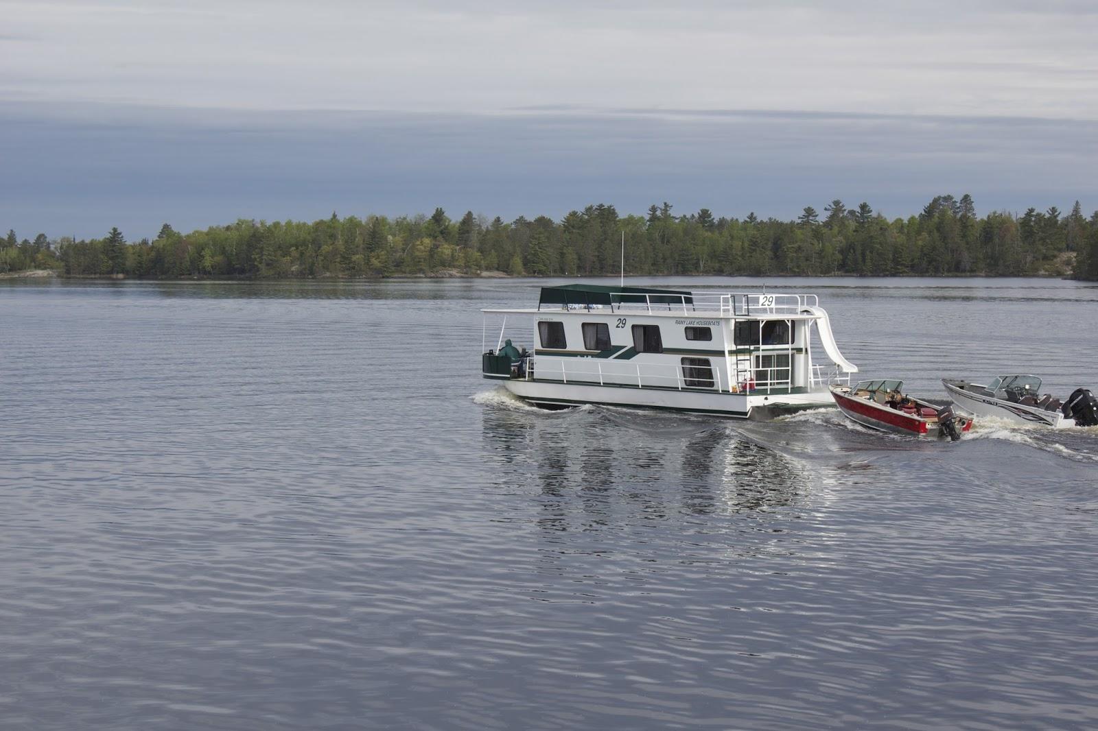 Rainy lake houseboats fishing report roger cormier and for Rainy lake fishing
