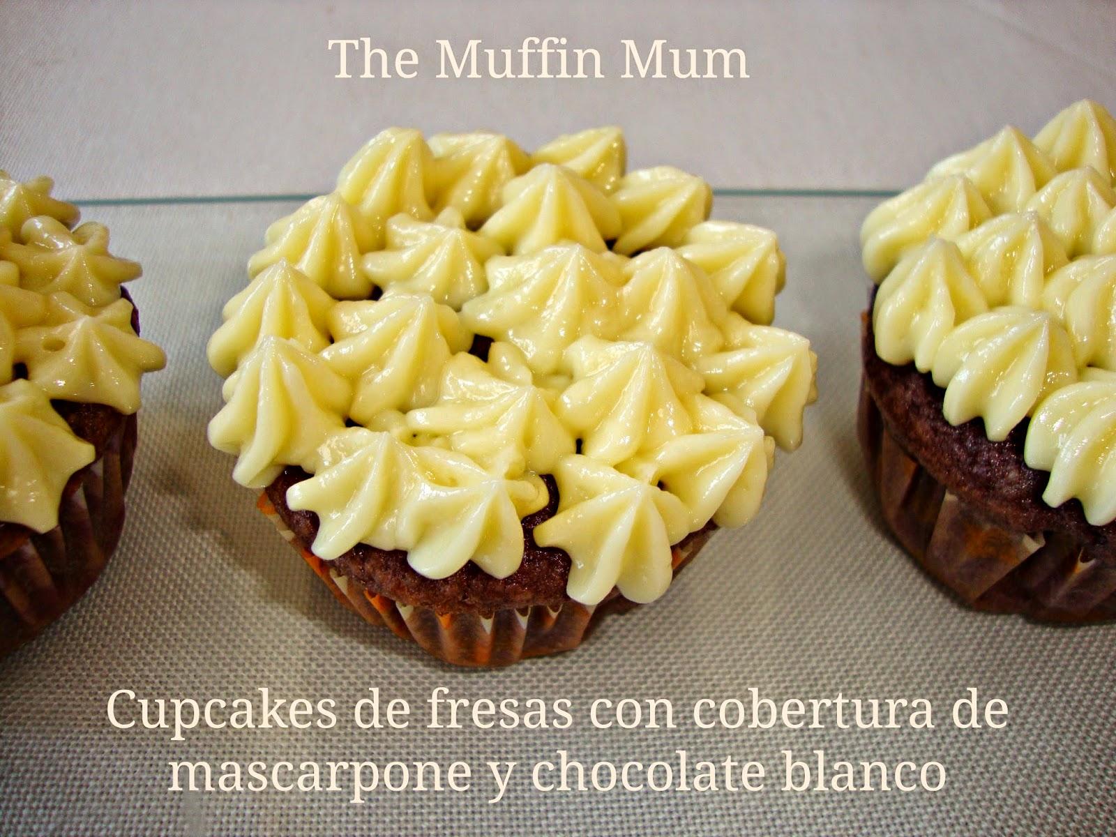 Cupcakes de fresa con cobertura de mascarpone y choco blanco