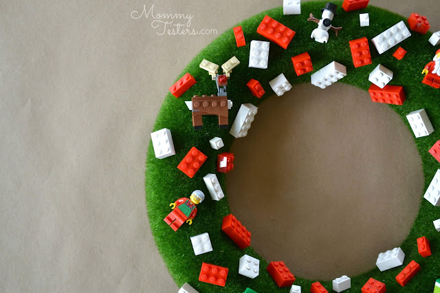 Mommy Testers, DIY Lego Wreath, Kid friendly wreath, Easy DIY Kids wreath, Lego Christmas Wreath, How to make a Lego wreath