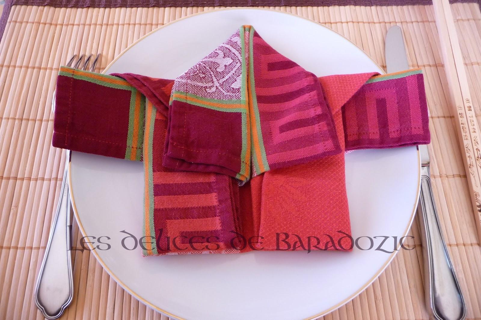 plier une serviette en kimono les d lices de baradozic. Black Bedroom Furniture Sets. Home Design Ideas