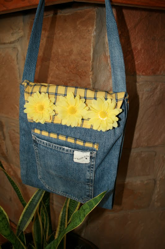 Buzzing and Bumbling Upcycled Jeans Bag Tutorial