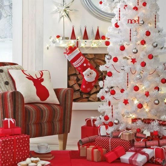 Ideas Para Decorar Baño En Navidad:Red with White Christmas Tree Decorations