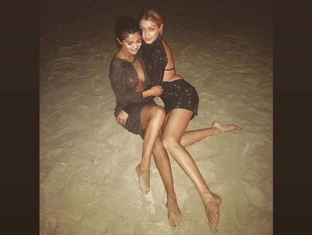 ¿Selena Gómez en topless?