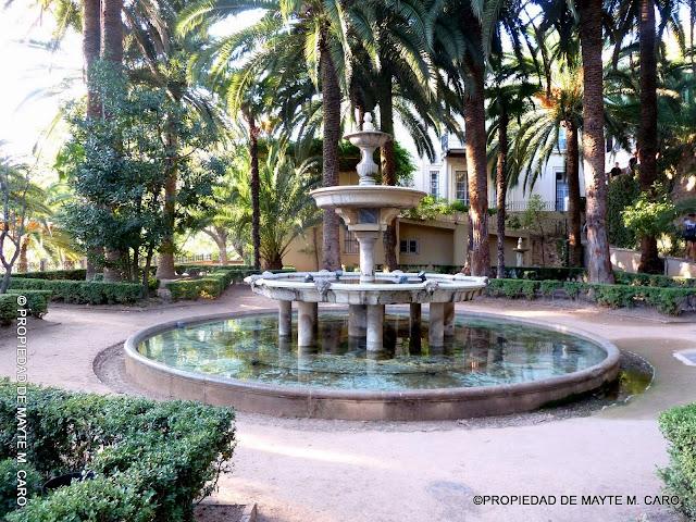Fuentes de granada la fuente del jardin de las palmeras for Jardin de gomerez granada