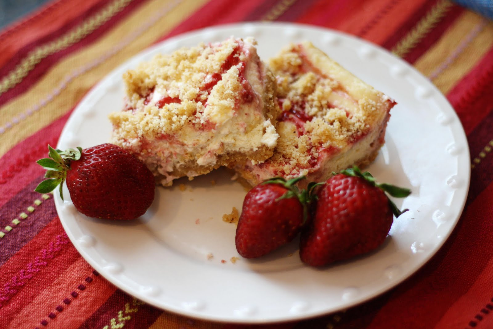 Dash of Simple: Strawberry Cheesecake Squares