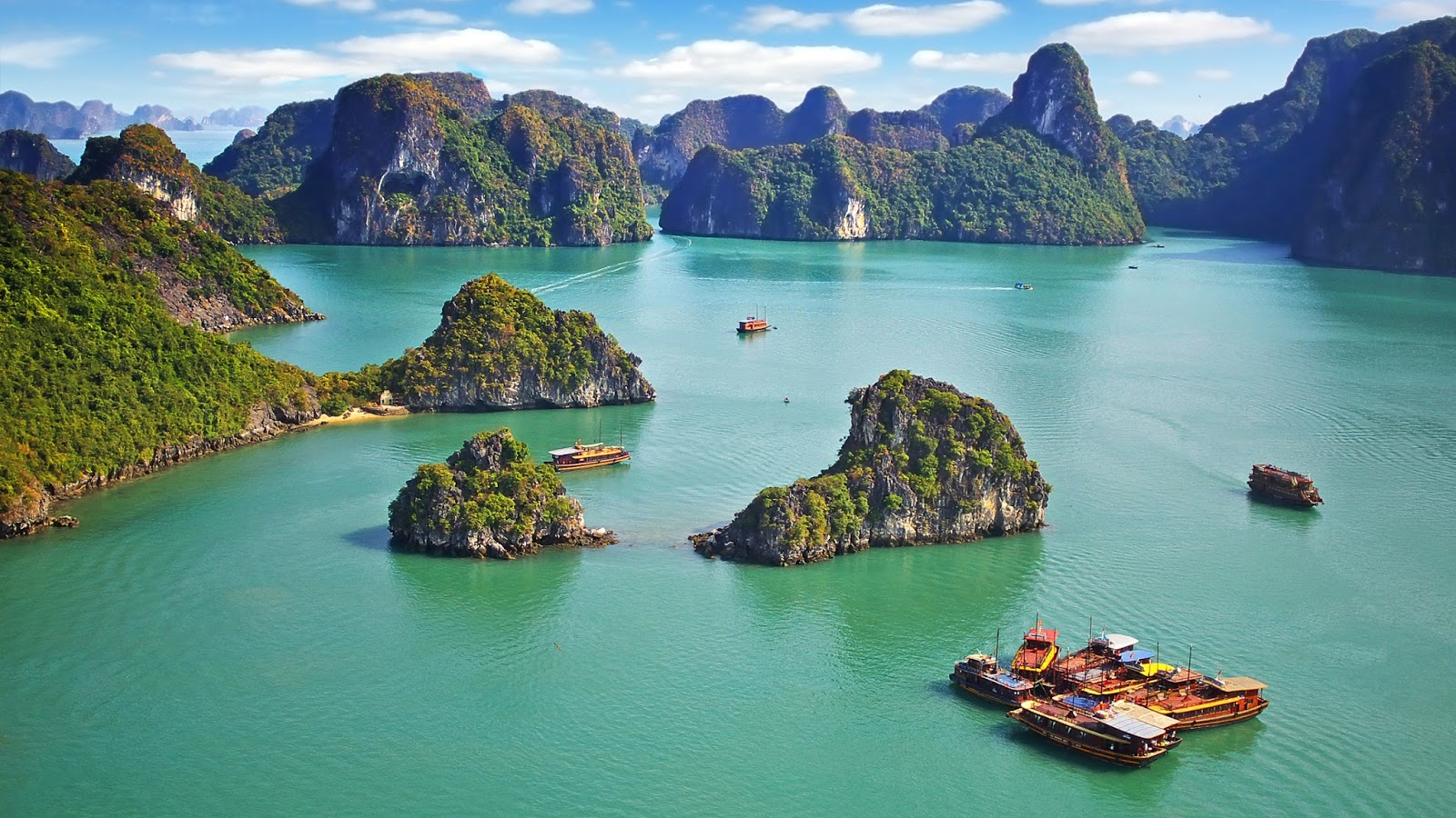 VIETNAM'S HA LONG BAY natural wonders of the world - Bing Images ...