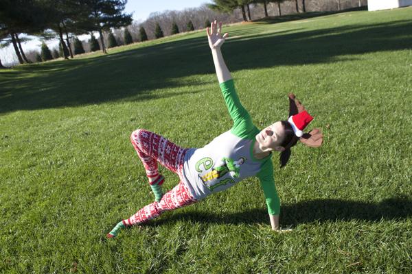 yoga, christmas, yoga christmas, yoga poses, Target leggings, Target christmas leggings, christmas leggings, red leggings, side plank pose, side plank with tree pose, merry christmas, christmas yoga poses