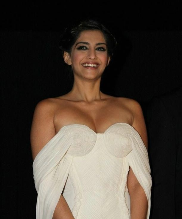 sonam kapoor hot images