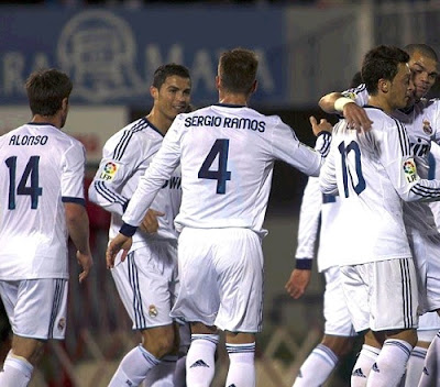 Real Madrid celebrates its victory in Mallorca 2012