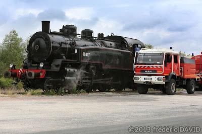 train vapeur camion pompiers locomotive 141 TB 407 vintage AJECTA Montereau-Fault-Yonne Seine-et-Marne