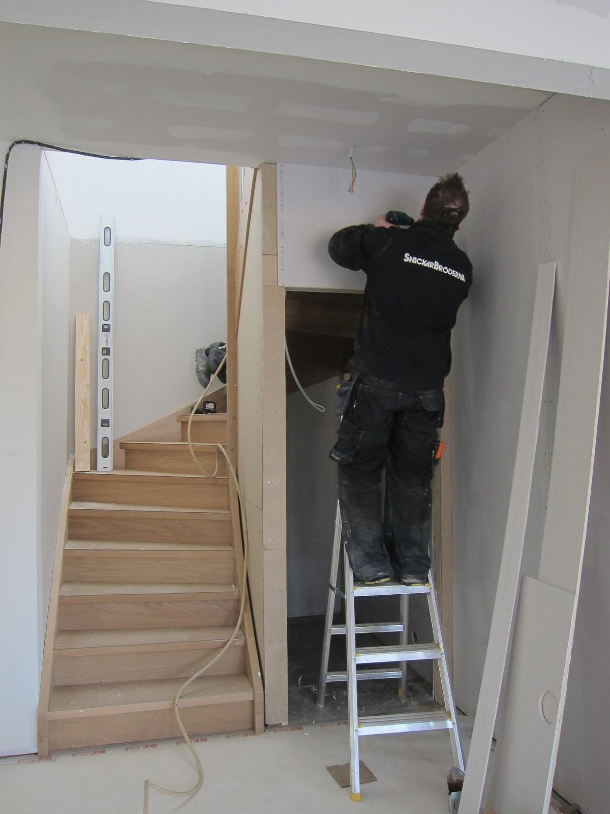Projekt villa els: trappan på plats