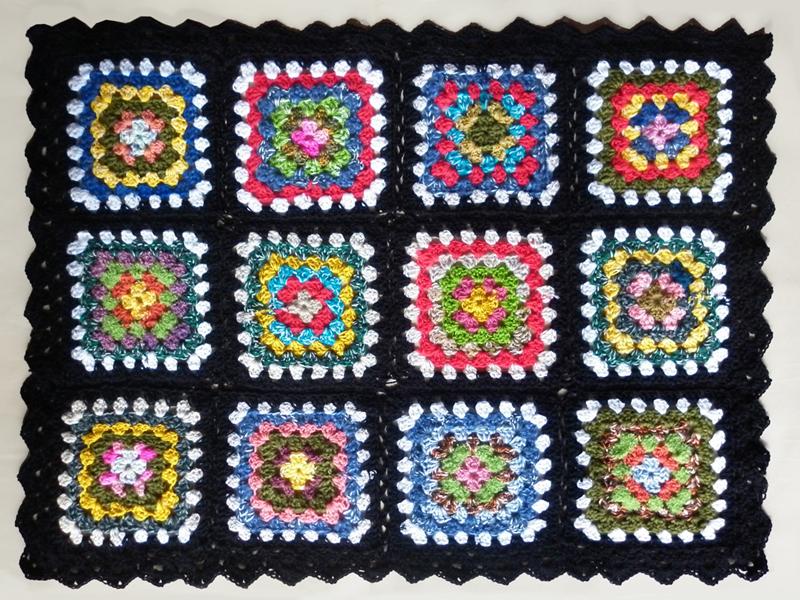 http://angelaestercroche.blogspot.com.br/2013/08/mantas-em-square.html