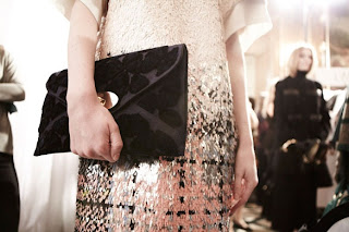 photot of Mulberry willow clutch