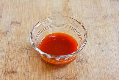 Low-Carb Sriracha Beef Lettuce Wraps [found on KalynsKitchen.com]