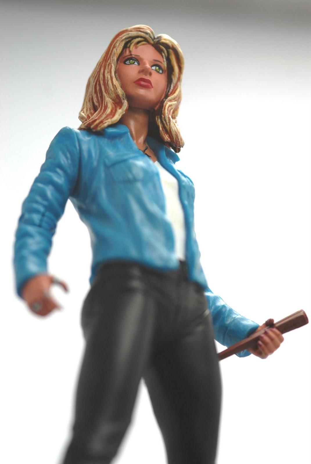 http://4.bp.blogspot.com/-_XiDauqsA30/ToqVgfpOb7I/AAAAAAAAARo/50oOQ_501Aw/s1600/Buffy_0084.jpg