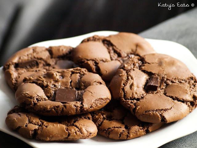 recette simple, recette simple cookies, cookies craquelés au chocolat noir, recette cookies craquelés, recette cookies craquelés