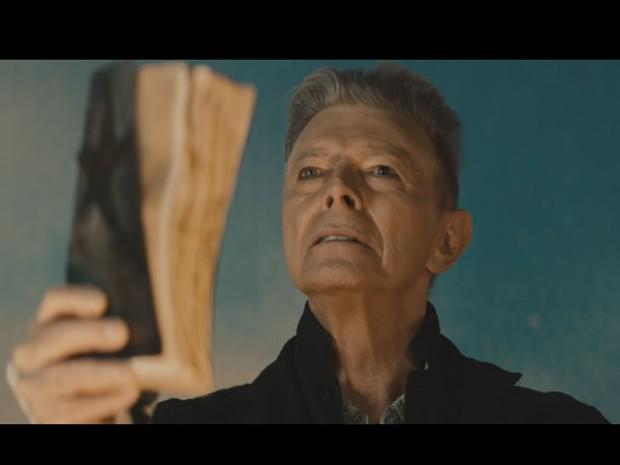 David Bowie no clipe de 'Blackstar' (Foto: Divulgação)