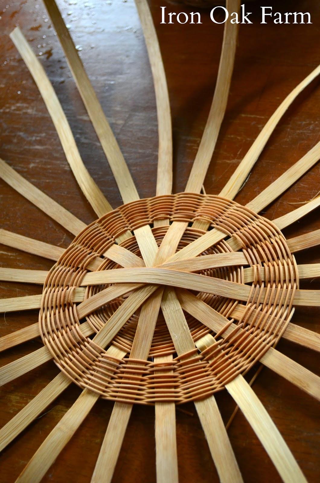 Basket Weaving Round Reed : Iron oak farm round bottom basket