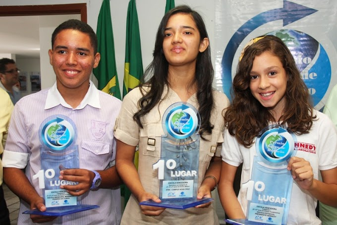 Estudantes recebem Prêmio Caern de Redação