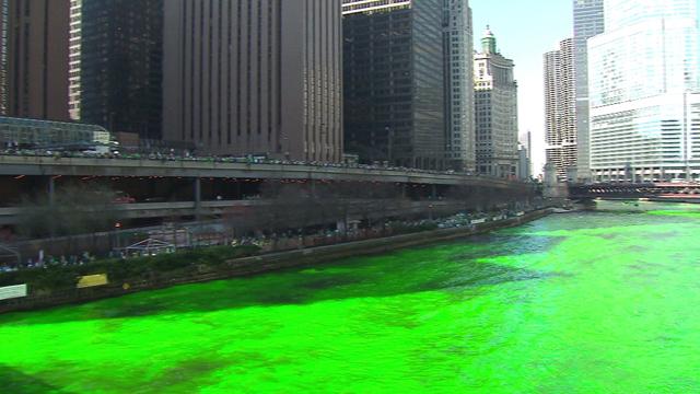 Rio ganha coloração verde no dia de St. Patrick's Day