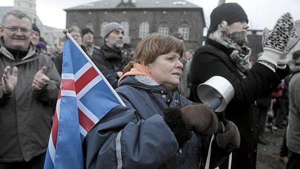 """""""Экономическая революция"""" в Исландии - спектакль?"""