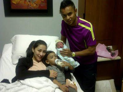 Anak Kedua Rita Rudaini Dan Aidil Zafuan (Gambar)