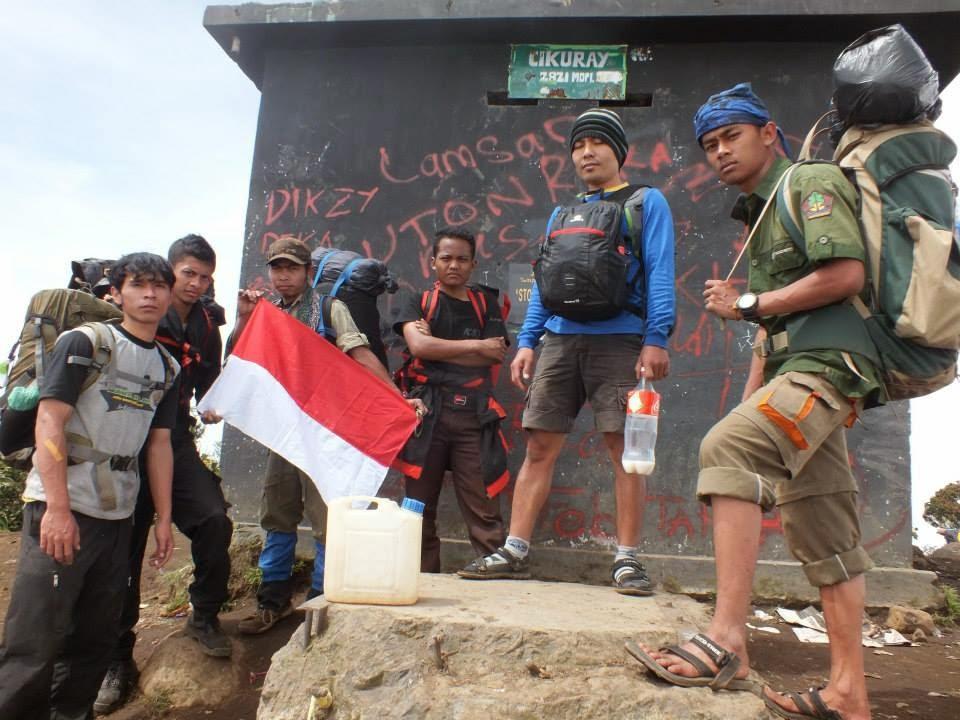 Puncak Gunung Cikuray 2821 MDPL
