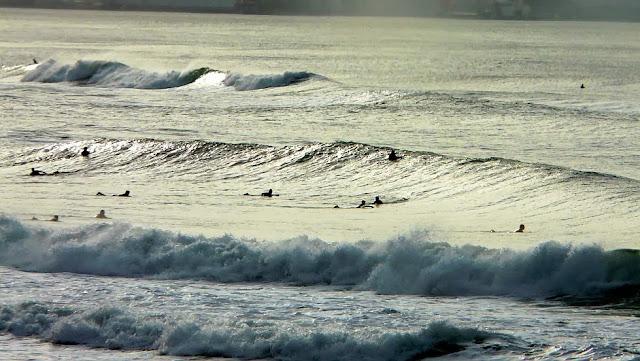 olas de un metro playa de sopelana