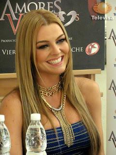 Marjorie de Sousa en un evento de Amores Verdaderos (telenovelas )