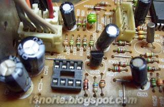 Socket colocado en chasis para memoria EEPROM