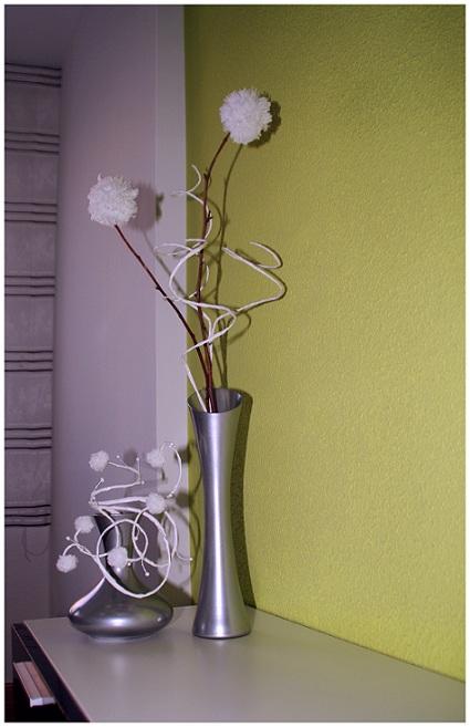 Diy los jarrones y los ramilletes de pompones de erika for Jarrones decorativos grandes