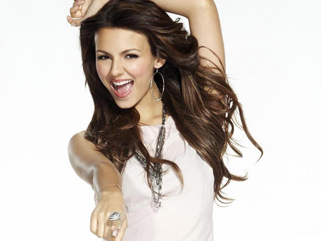 Victoria Justice New Cool Wallpapers 2012