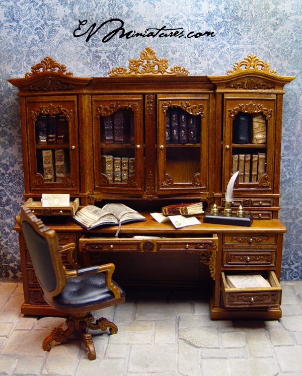 EV Miniatures: Bespaq Ginsburg Library Set With Leather