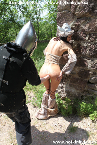 HOTKINKYJO THE BARBARIAN AND BLACK KNIGHT FISTING HER AT SWINY CASTLE
