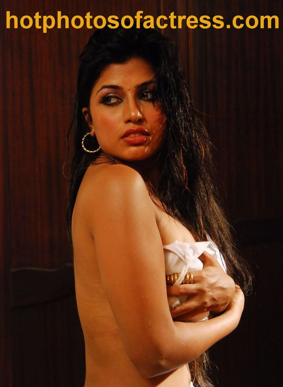 Kamapichachi Actress Images | Kamapichachi Actress Wallpapers