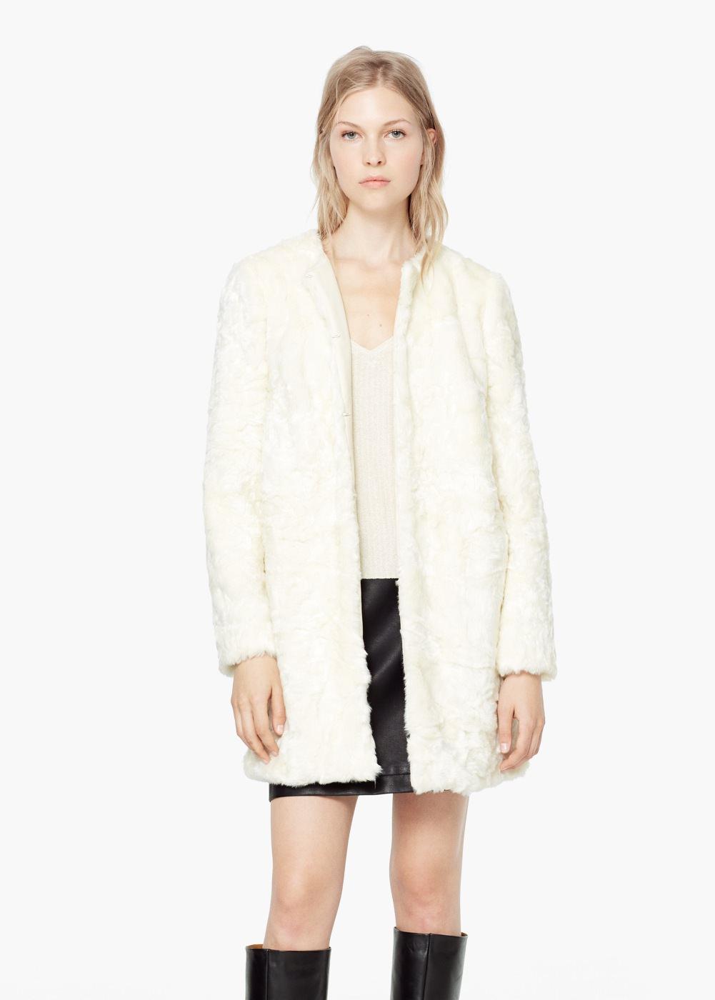 Abrigo blanco con pelo