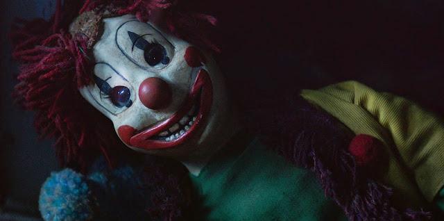 Poltergeist: O Fenomeno | Cena do palhaço em clipe inédito & Pegadinha inspirada no remake de terror