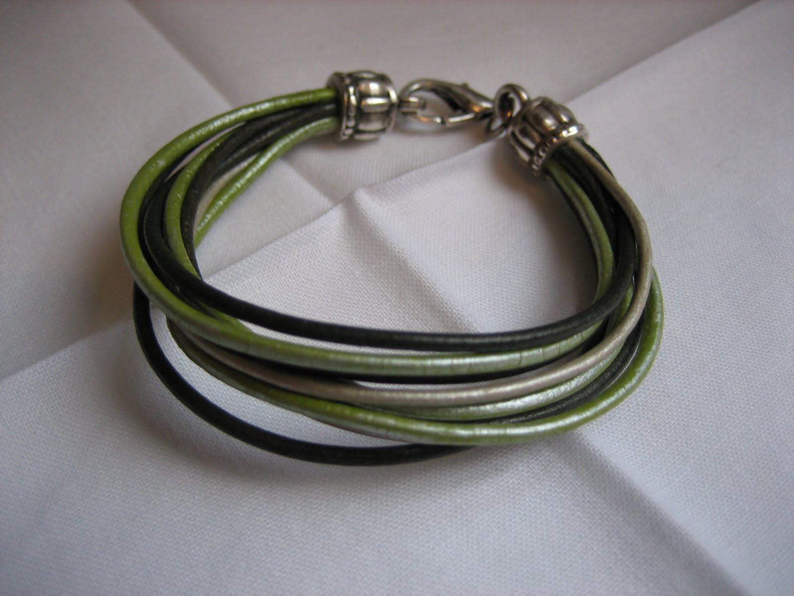 Manualidades de colores pulsera de cuero gama verdes - Gama de verdes ...