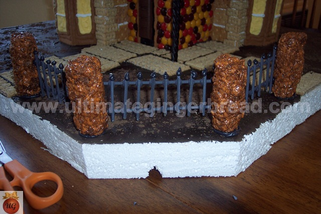 Ultimate Gingerbread - Lamp / Fence Post instructions