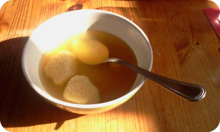 Clonlin: Recipe: Semolina dumpling soup- Griessnockerl Suppe