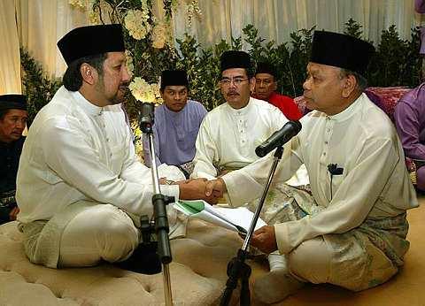 Isteri Datuk Lafaz Bekas Isteri Datuk